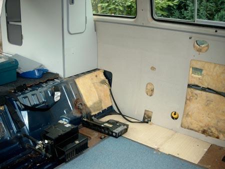 vw bus team baden heringsgeschichten teil2 westfalia m bel raus. Black Bedroom Furniture Sets. Home Design Ideas