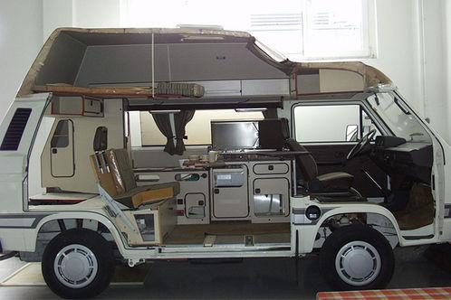 vw bus team baden westfalia hat sein museum versteigert. Black Bedroom Furniture Sets. Home Design Ideas